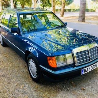 Mercedes-Benz - 300 TE (W124) - 1989