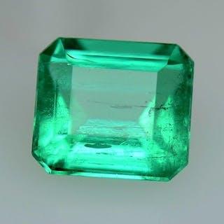 Pastel Green Emerald - 0.82 ct