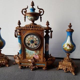 Mantel clock - Sevre Porcelain - 19th century