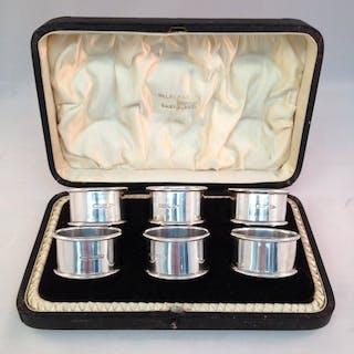Set of napkin rings - .925 silver - Walker & Hall, Sheffield- England - 1904
