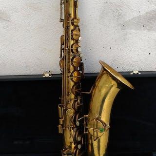 Martin - handcraft - Tenor saxophone - United States of America - 1926