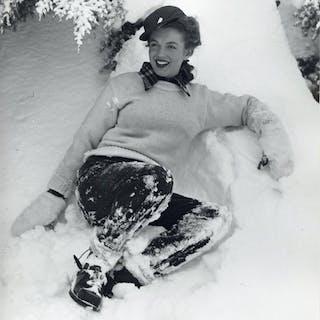 Andre de Dienes (1913-1985) - Marilyn Monroe in the snow, 1945