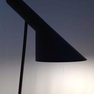 Arne Jacobsen - Louis Poulsen - Floor Lamp AJ Black