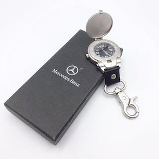 Gürteluhr / Schlüsselanhänger mit Sprungdeckel-Taschenuhr - Mercedes-Benz - 2015