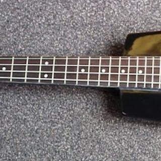 Cherrystone - Headless basgitaar met kabel en hoes - Electric bass guitar