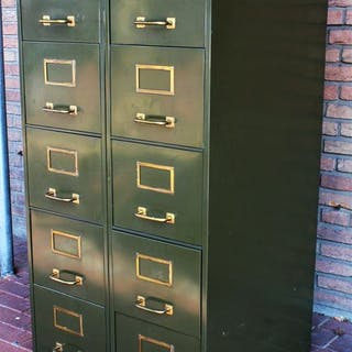 Roneo Parijs - Two chests of drawers with brass handles