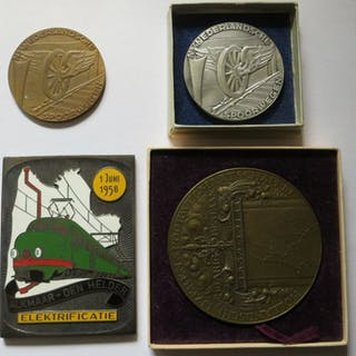 The Netherlands - Diverse penningen + plaquette 1914/1958...