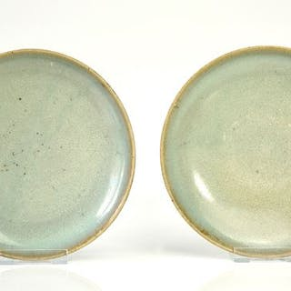 Very Fine Provenance Pair of Junyao Dishes - 17 cm (2)...