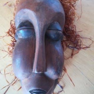 passport mask - wood raffia - masque passeport - Suku - Congo DRC