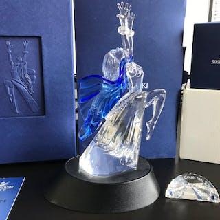 Adi Stocker - Swarovski - Isadora with Display and Plaquet (3) - Crystal