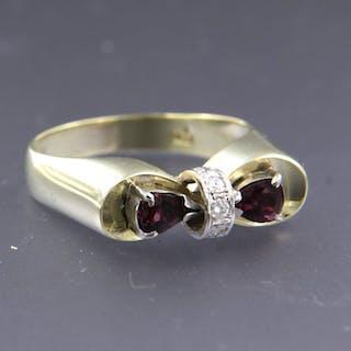 14 kt. White gold, Yellow gold - Ring - 0.50 ct Ruby - Diamond