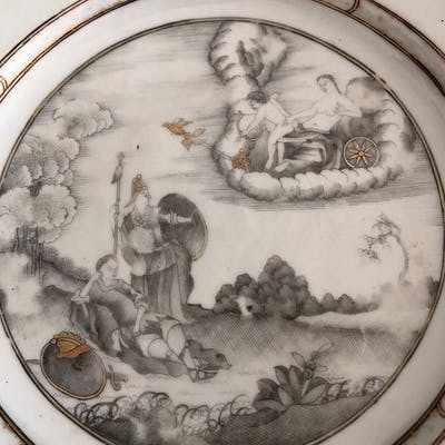 Plate (1) - Porcelain - European subject in grisaille - China - 18th century