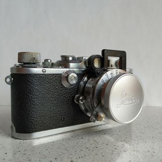 Leica (Leitz) III a  (Model G) +Elmar 5 Cm + Nooky Additional Lens