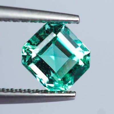 64465cfffaa60 No Reserve * Green Emerald - 1.05 ct   Barnebys