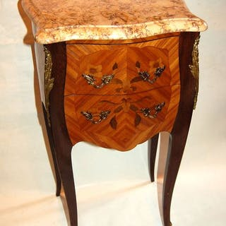 Signed Marquant R - Table d'appoint - Style Louis XV