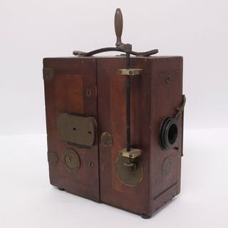 Antique movie camera, made by Ertel werke in Munich 0