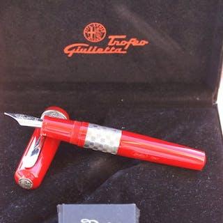 """Delta - Imposant et rare stylo plume 18 kts """"Spécial..."""
