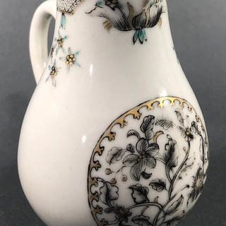 Milk jug (1) - Chinese export - Porcelain - China - 18th century