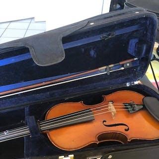 No label - 3/4 - Fiddle - France - 1936