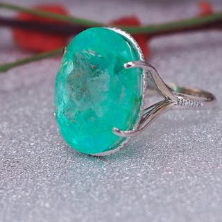 14 kt. White gold - Ring - 36.27 ct Emerald - Diamonds