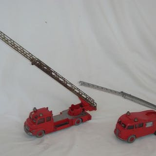 """Dinky Toys - 1:48 - Dinky SuperToysFirst Edition """"Commer..."""