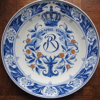 De Porceleyne Fles - Piatto da parete Beatrix - 1980 - Ceramica