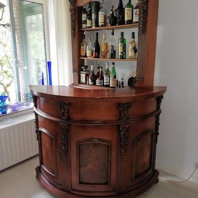 Bar Furniture With Back Wall And Lighting Barnebys