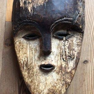 Maschera (1) - Legno - Vuvi - Gabon
