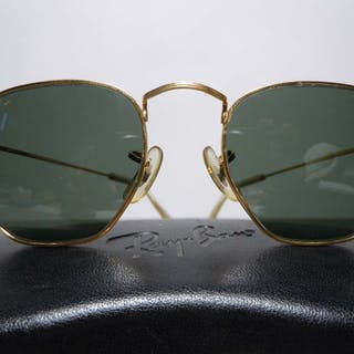 RAY BAN  W0973 Classic Collection Style III Arista...
