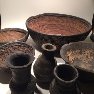 Vases and dishes African (7) - Clay Leather and fiber - Unknown - Africa
