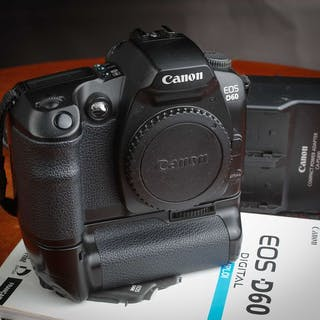 Canon EOS D60 avec Grip BG-ED3  + 2 batteries chargeur et...