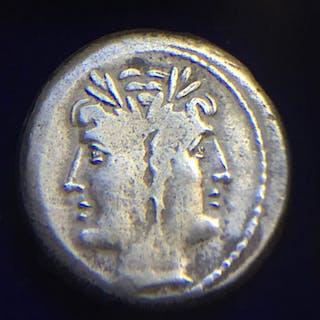 Repubblica romana - Anonymous, Quadrigatus, Rome, 225-212 BC - Argento