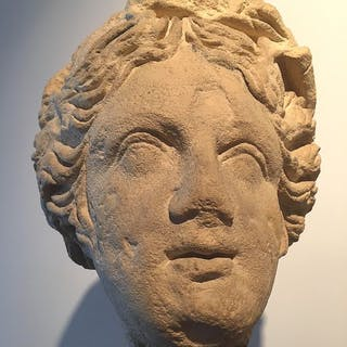 Sculpture, head of a lady - Renaissance - Limestone - Second half 16th century