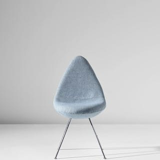 'Drop' chair, designed for the SAS Royal Hotel, Copenhagen - Arne Jacobsen