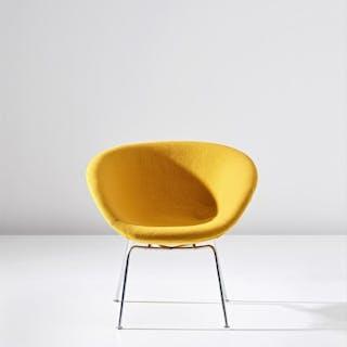 'Gryden' (Pot) chair, model no. FH 3318, designed for the SAS Royal