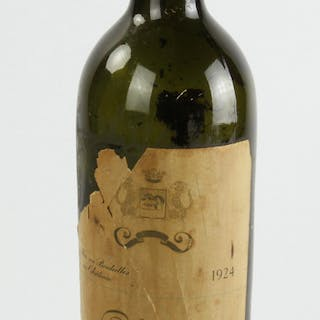 1924 Chateau Mouton Rothschild Bottle