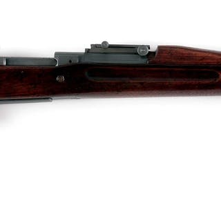 Manufactured in 1918 with finger grooved two pin stock and Type III handguard