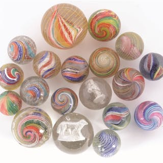 A group of 19 old and contemporary marbles including sulphides and swirls