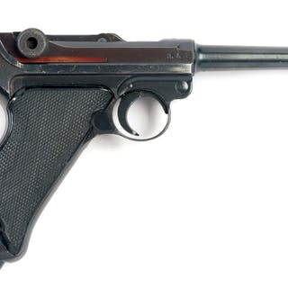 1940 42 code Luger with black Bakelite grips