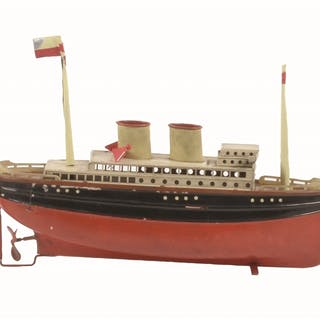 Lot includes two Fleischmann and one Arnold Ocean Liners two-stackers