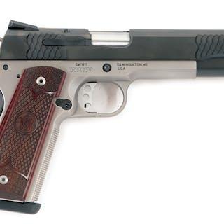 Gun is a standard configuration 1911 series featuring...