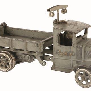 Has original back tailgate