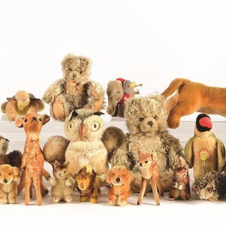 Included are three wind-up fur-covered toys that are not Steiff