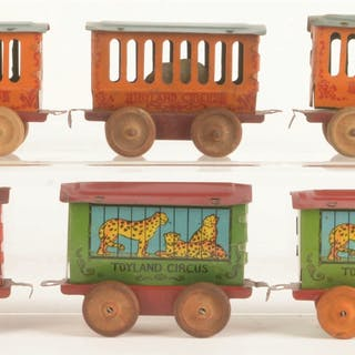 Set consists of: a tin-lithographed Steam Locomotive