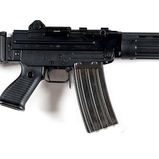 High condition Beretta SC-70 machine gun with one original 30 round magazine