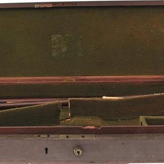 A MAHOGANY SPORTING GUN CASE, the green baize lined interior for a