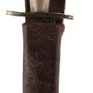 A FIRST PATTERN FAIRBAIRN SYKES COMMANDO DAGGER OR FIGHTING KNIFE