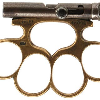 A RARE EARLY 20TH CENTURY APACHE COMBINATION KNUCKLE GUN, the brass