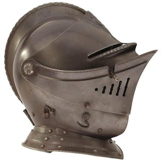 A GOOD 20TH CENTURY COPY OF A 16TH CENTURY FRENCH CLOSE HELMET, the