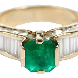 14kt. Emerald & Diamond Ring